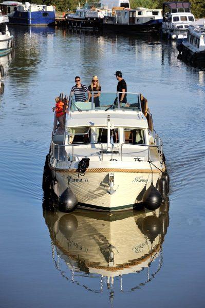 w_20200827_GD_Famille bateau vélo Canal du Midi et port Capestang_v25
